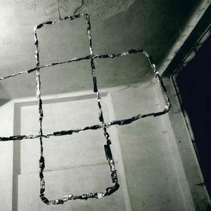 The Knot Arte Povera New York P.s.1 1985 Jewels Christ 1981 Di Luciano Fabro Foto Di Maria Mulas
